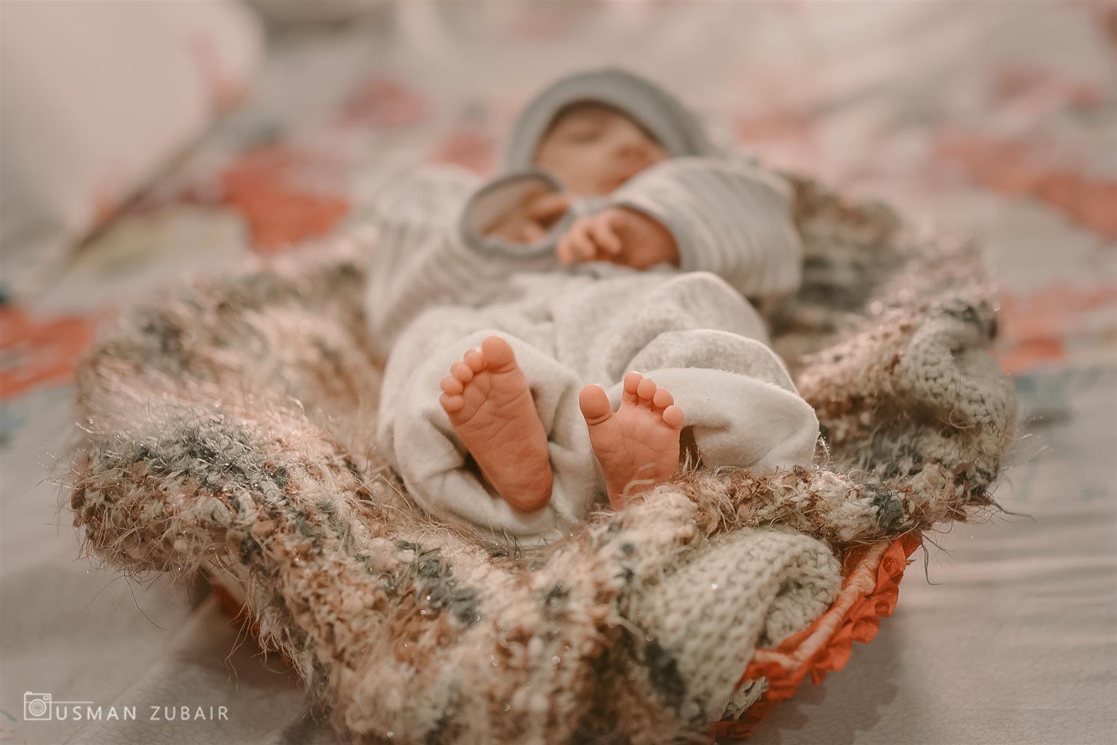 Newborn Photoshoot DIY